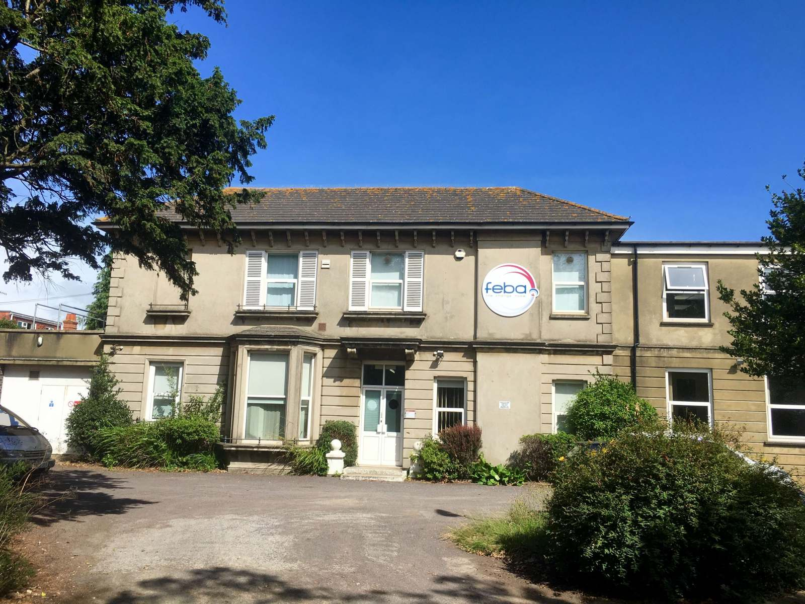 EXTENSIVE DETACHED FREEHOLD BUILDING FOR SALE SUITABLE FOR VARIOUS USES STPP IN WORTHING