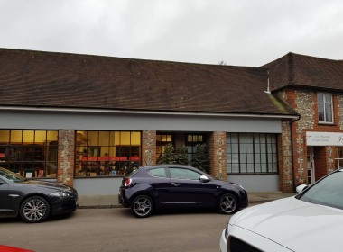 To Let Shop in Findon