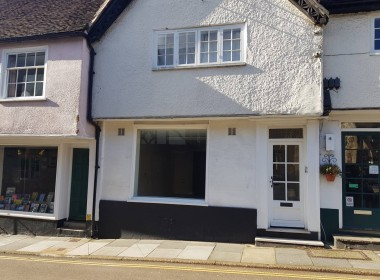 To Let shop in Midhurst