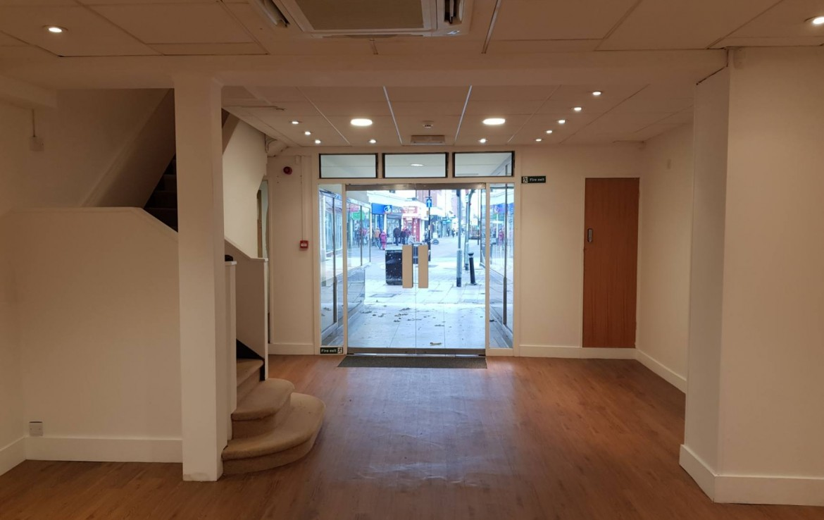To Let 12 South Street Worthing short term christmas let avaliable