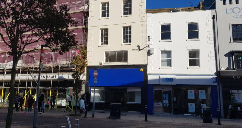 Short Term Christmas Let Available in Worthing Town Centre