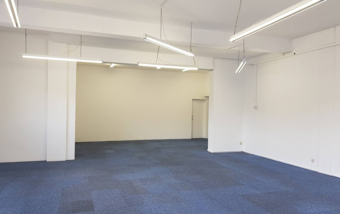 To Let Ground Floor Shop 6 Queens Parade North Road