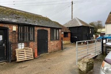 Unit 12 Polthooks Farm to Let